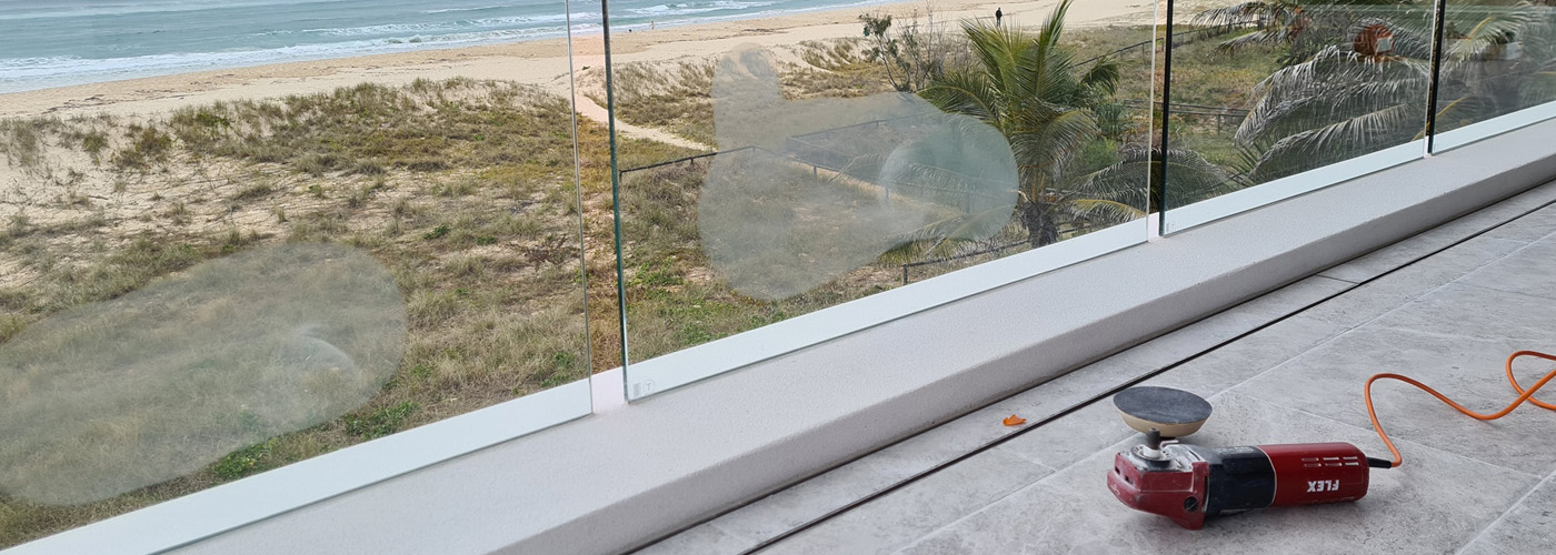 balcony glass scratches removal