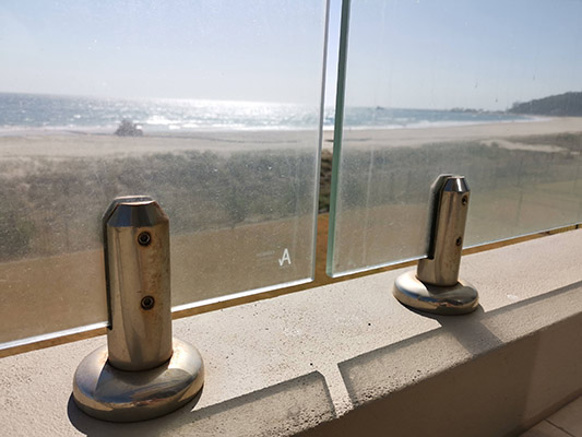 tea staining and corrosion balustrade glass